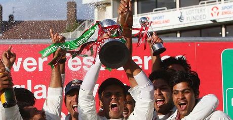 Dravid lifts the npower Trophy