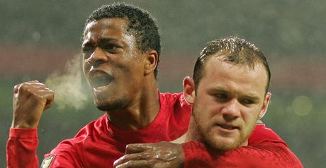 Evra: Backing Rooney