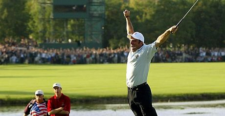 McGinley holes the winning putt in 2002
