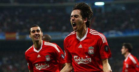 Liverpool celebrate Benayoun's goal