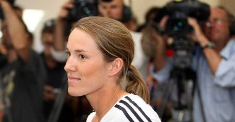 Henin: retirement u-turn