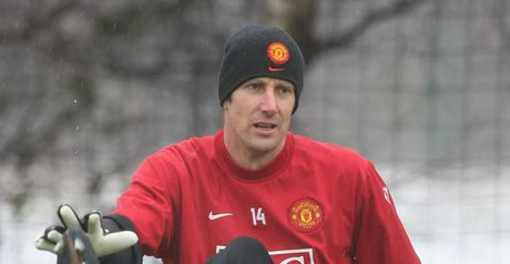 Van der Sar: No thoughts of retirement