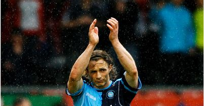 Ainsworth: Pens new Chairboys deal