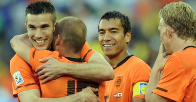 Holland: Celebrate Sneijder's strike