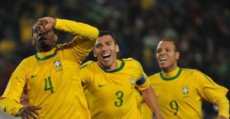 Juan celebrates his opening goal