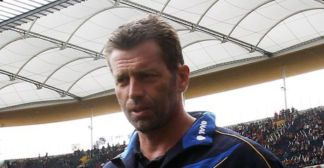 Skibbe: Extends his deal