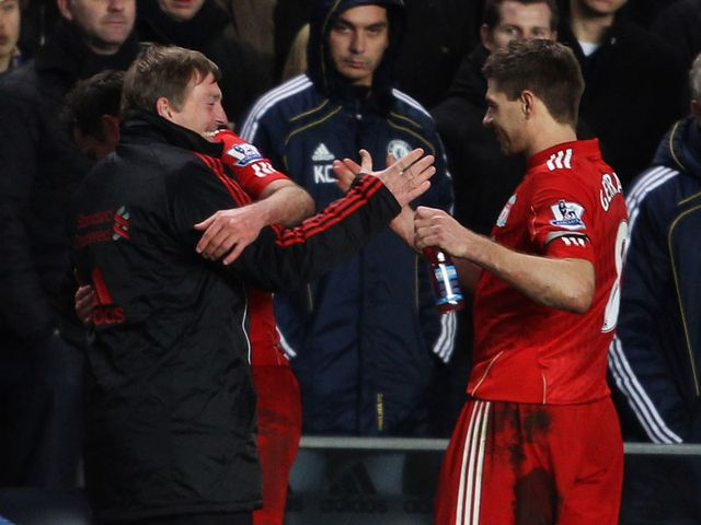 Dalglish: Backs Gerrard to continue
