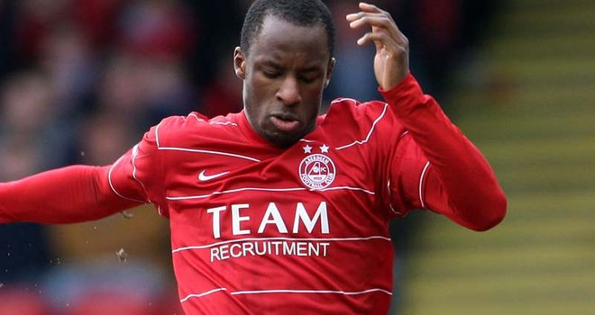 Sone Aluko: Former Aberdeen winger impressing while on trial at Rangers