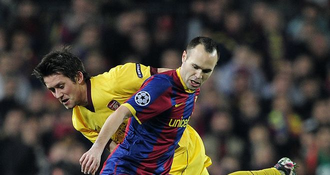 Iniesta: Barca star back in training ahead of Real clash