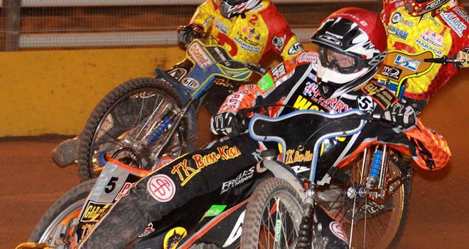 Peter Karlsson: Wolves legend wins at Monmore Green