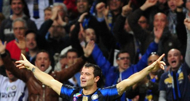 Stankovic: Betting a beer & pizza that Sneijder stays at Inter