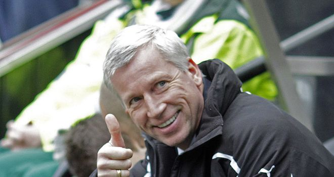 Pardew: Looking to sign a left back and a striker