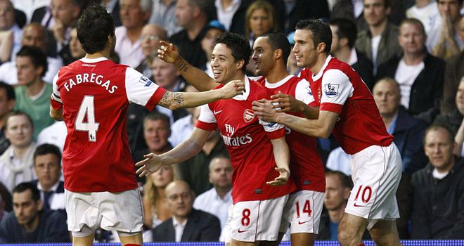 Walcott: Arsenal forward has urged Fabregas and Nasri to stay at Emirates