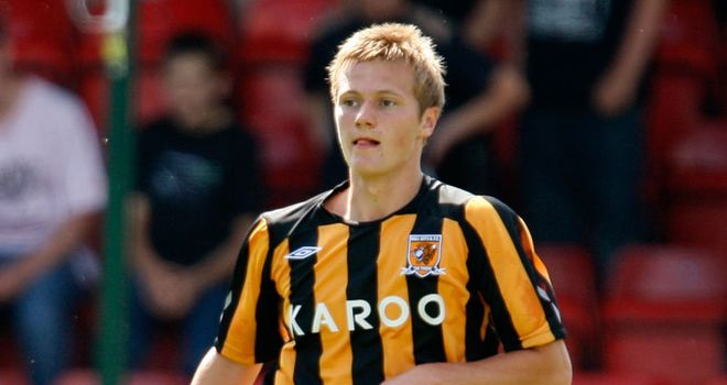 Liam Cooper: Defender completes move from Hull City to Chesterfield