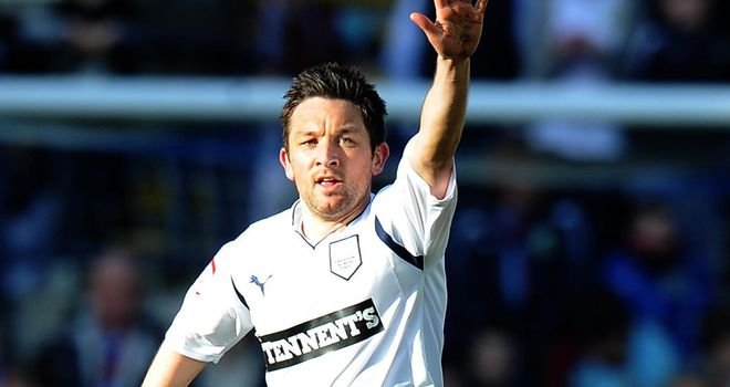 Barry Nicholson: Preston midfielder is holding talks over a move to Fleetwood