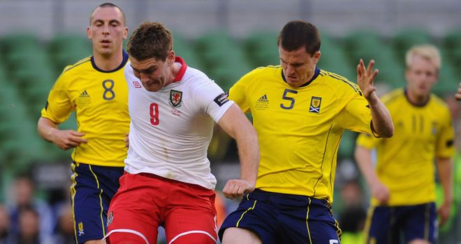 Vokes in action for Wales against Scotland in Carling Nations Cup
