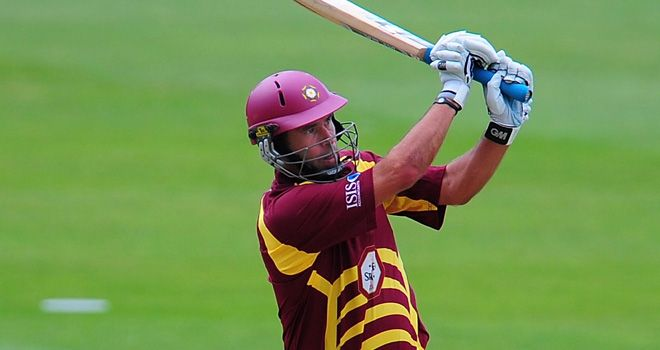 Hall: Staying with Northants until at least 2014