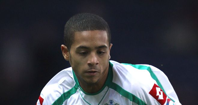 Andrade: Makes loan switch to join Shots