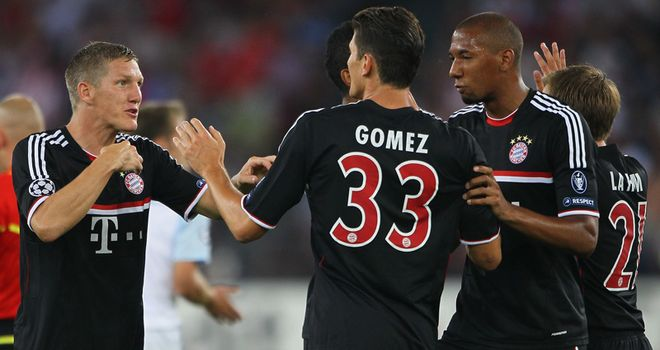 Gomez: Scored a hat-trick as Bayern Munich won 3-0 away to Kaiserslautern