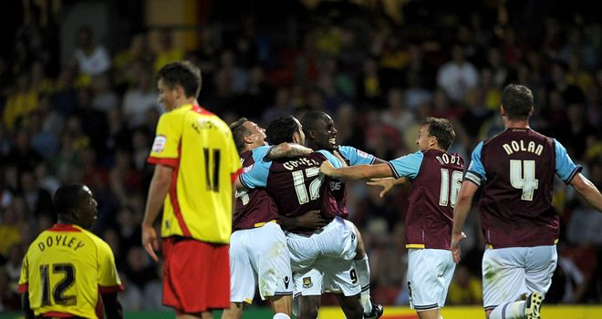 West Ham: Celebrating at Watford