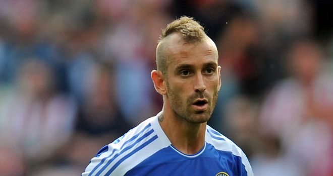 Meireles: Says Liverpool broke a promise but Comolli insists midfielder wanted to leave