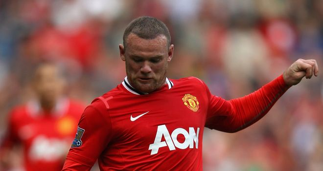Rooney: Striker is back to his best according to Evra following his problems of last season