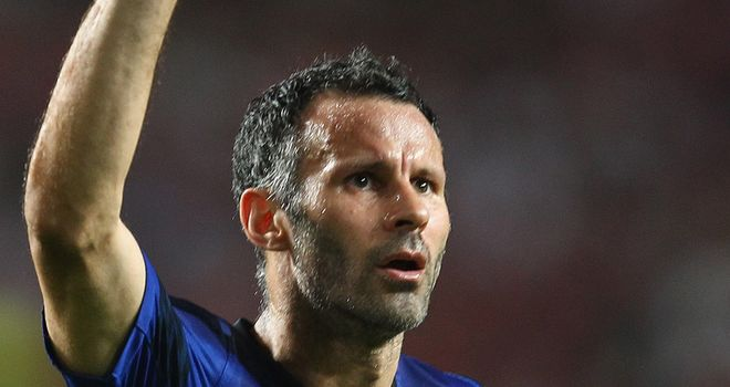 Giggs: A legend, according to Evra and the best player the full-back has played alongside