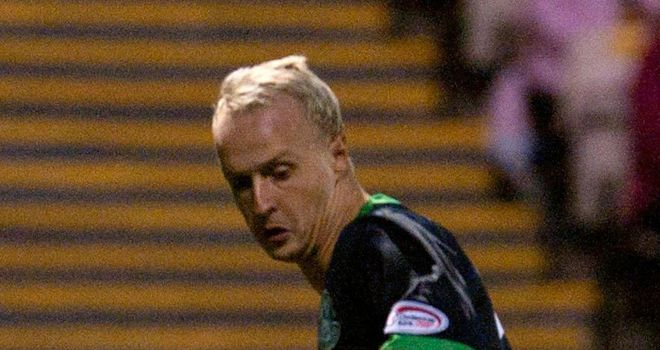 Leigh Griffiths: Hibs are hoping to keep the Wolves striker at Easter Road beyond January
