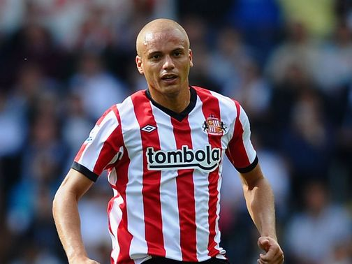 Wes Brown: Taking injections to try and regain fitness