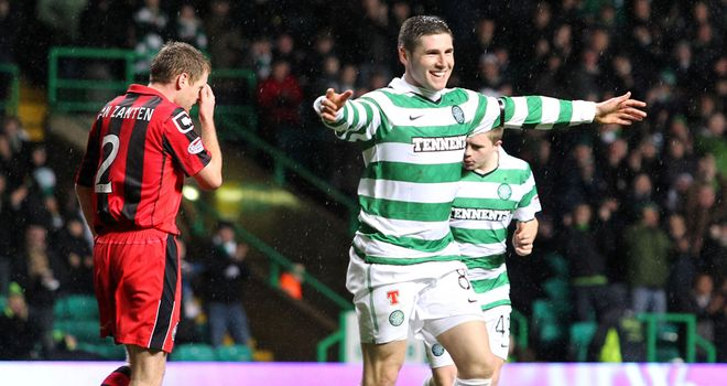 Hooper: Celebrates at Parkhead