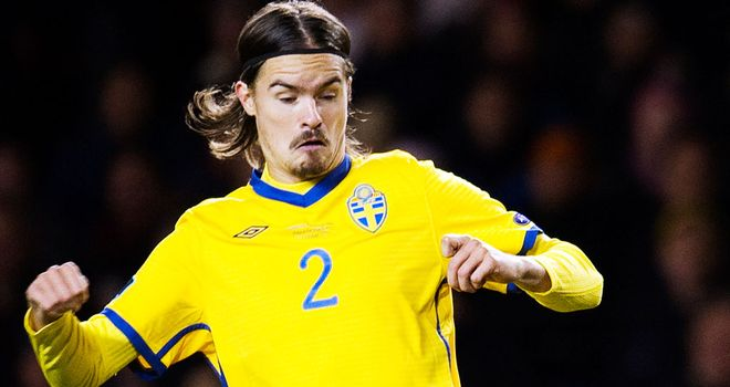 Mikael Lustig: Sweden defender would be interested in joining Celtic and feels he would fit in