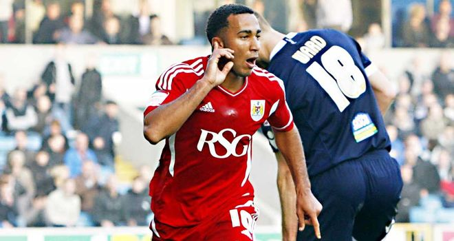 Nicky Maynard: Bristol City have not received a bid from Wolves, according to Derek McInnes