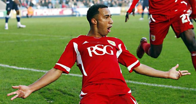 Nicky Maynard: Set for talks with Wigan after they agreed a fee with Bristol City