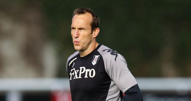 Mark Schwarzer: Planning to play on until 2014 with Fulham and Australia