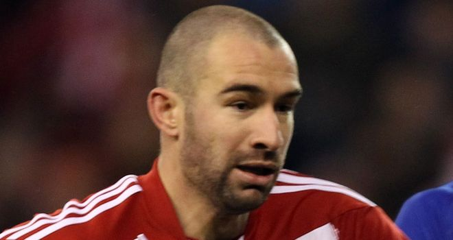 Danny Higginbotham: Signs for Forest on loan