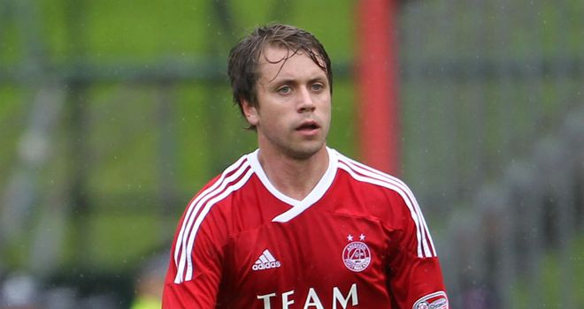 Kari Arnason: Aberdeen midfielder is hoping a compromise can be reached over a new contract