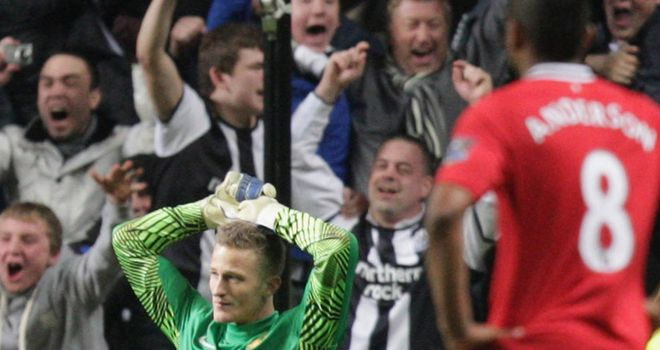 Lindegaard: conceded his first Premier League goals