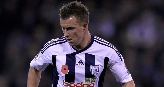 Simon Cox: West Bromwich Albion striker is wanted by Nottingham Forest boss Sean O'Driscoll