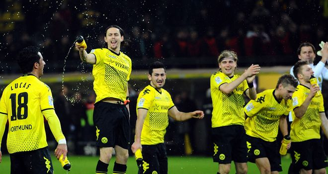 Borussia Dortmund: Celebrate their win over Hannover