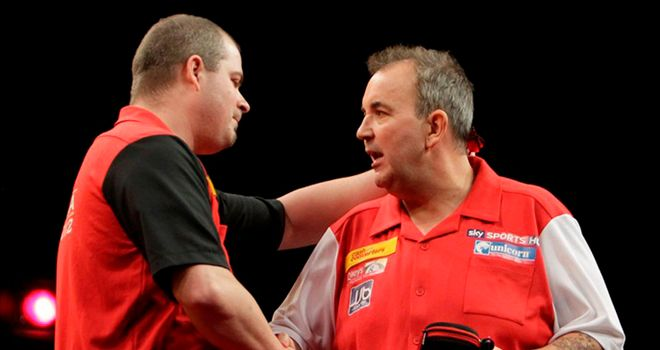 Ken MacNeil beat Phil Taylor (Pic: Lawrence Lustig/PDC).