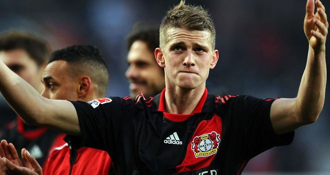 Lars Bender hit a brace for Bayer Leverkusen against rivals Schalke