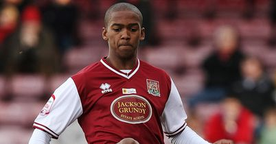 Lewis Young: Loan move to the JD Stadium