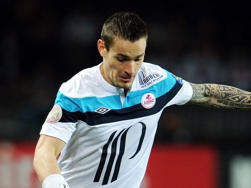 Mathieu Debuchy: Wants Newcastle move
