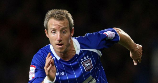 Lee Bowyer: Keen to win an extended stay with Ipswich Town