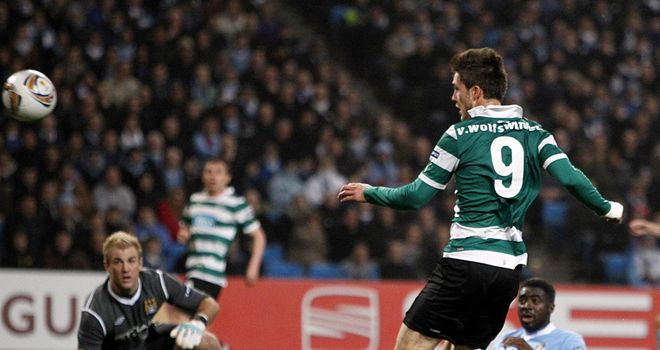 Ricky van Wolfswinkel: Contract extension talks with Sporting Lisbon have stalled