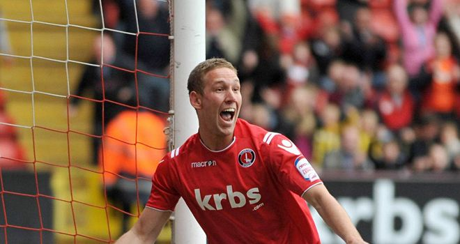 Scott Wagstaff: Former Charlton midfielder set to join Bristol City
