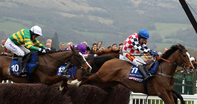 The Giant Bolster leads in last year's Gold Cup