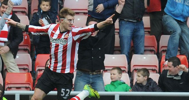 Nicklas Bendtner: Sunderland striker cleared of vandalising cars in Newcastle