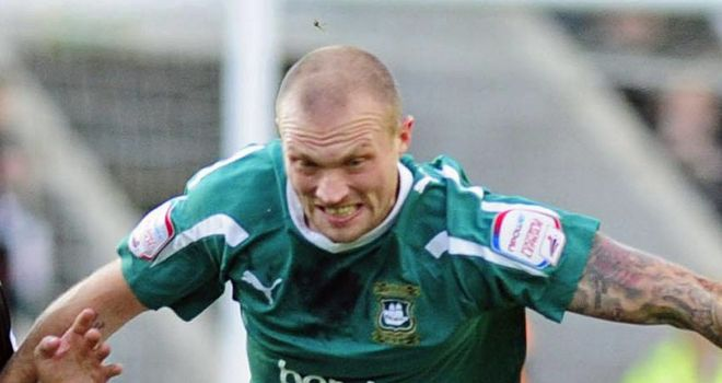Warren Feeney: Still has international ambitions