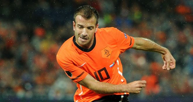 Rafael van der Vaart: Believes it is strange that England have overlooked Rio Ferdinand